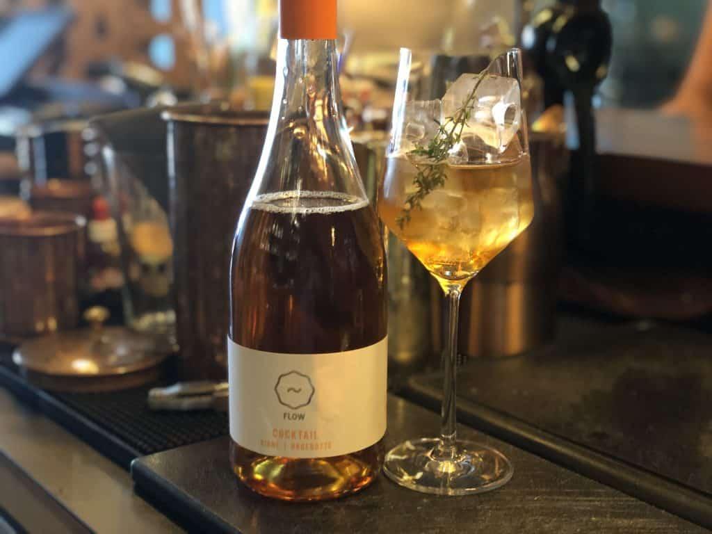 FLOWDRINK Wein-Cocktail Birne Hagebutte